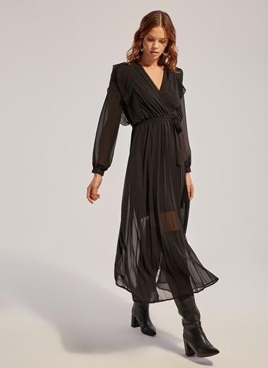 Monamoda V Yaka Piliseli Şifon Elbise Siyah